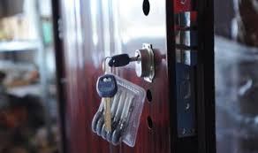 Kínai ajtó zár mindenkinek!